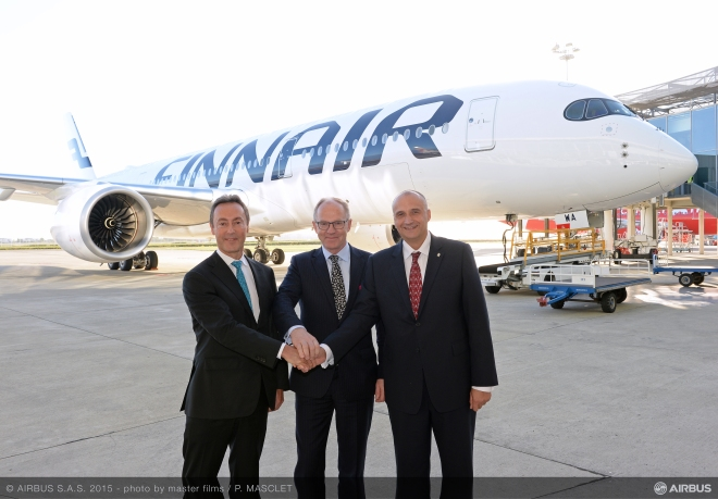 A350_XWB_Finnair_first_delivery_VIPs